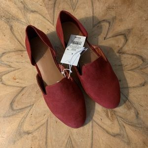 NWT Universal Thread Red Flats